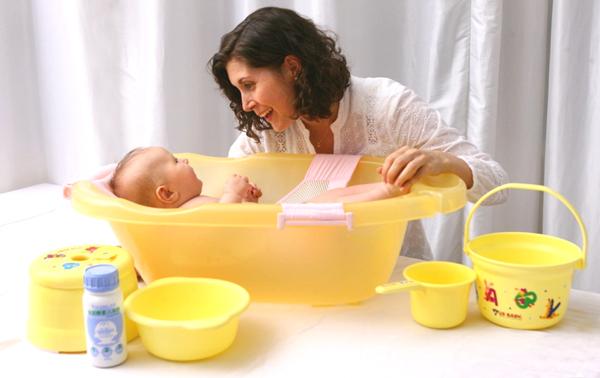 优生小水桶 宝宝玩耍或是洗澡澡的时候用的哟 20787/30652